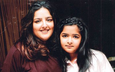 Sunaina Roshan with her daughter