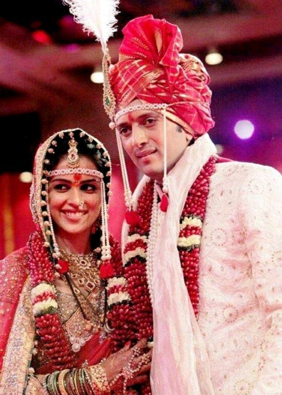 Wedding Picture Of Genelia And Ritesh Deshmukh