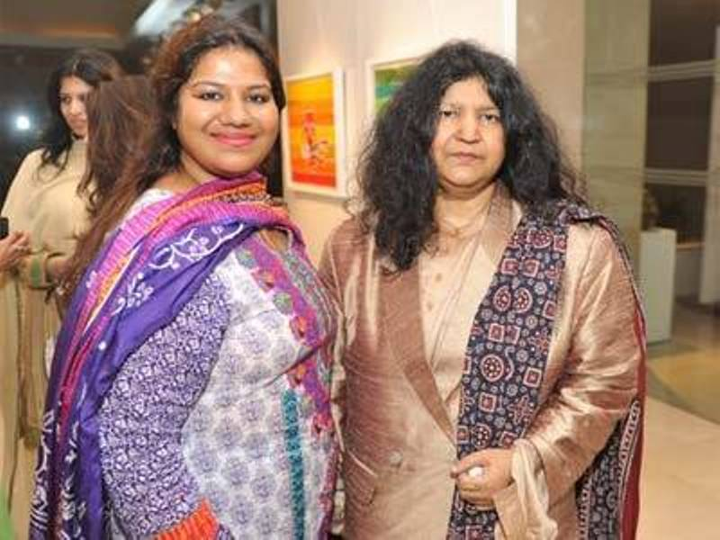 Abida Parveen With Her Daughter, Mariam