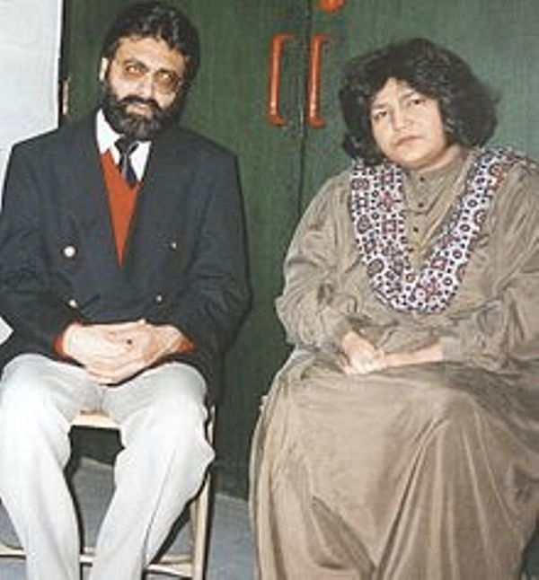 Abida Parveen With Her Husband