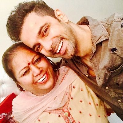 Anuj Sachdeva with his mother-Shama Sachdeva
