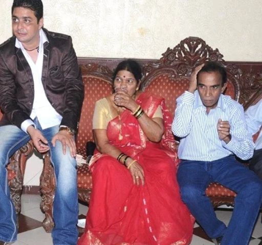 Hindustani Bhau with his parents