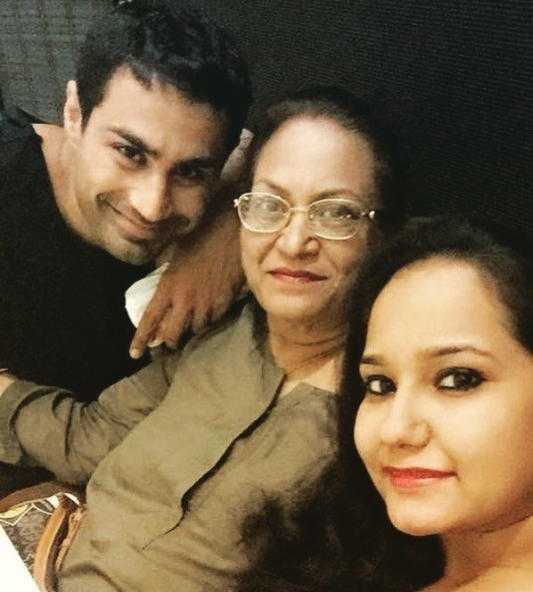 Karan Oberoi (KO) with his mother and sister