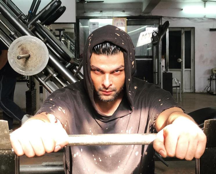 Kushal Tandon doing workout