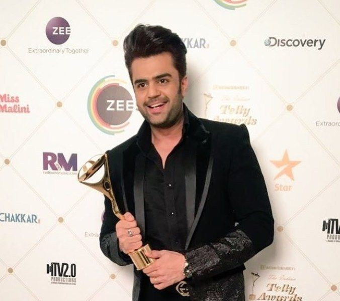 Manish Paul with award