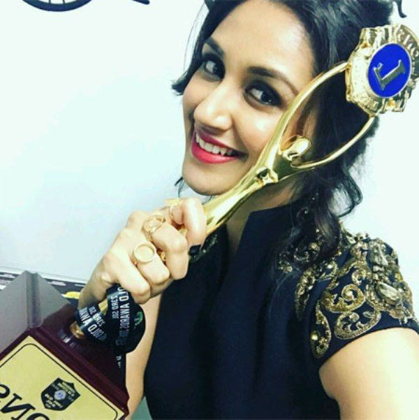 Nikita Dutta With Her Award