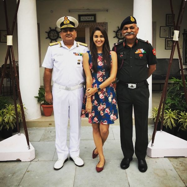 Nikita Dutta with Her Father And Paternal Uncle
