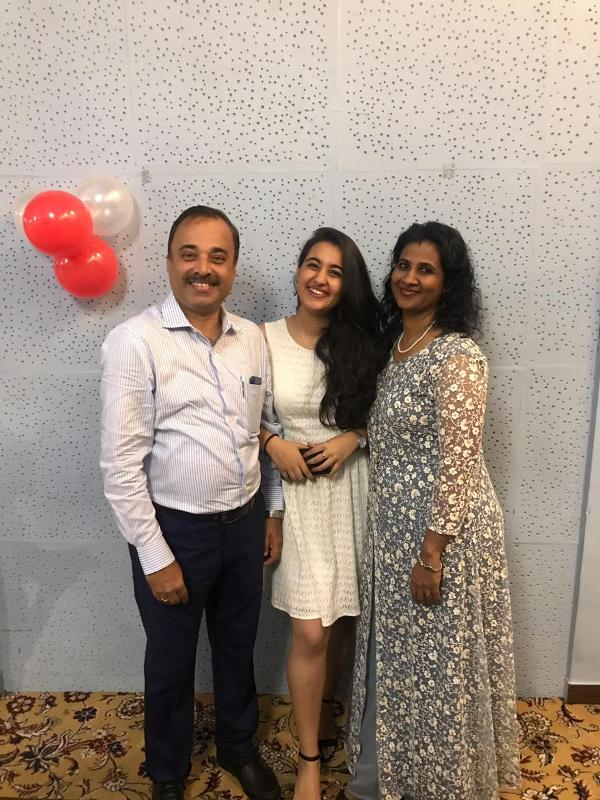Revathi Pillai With Her Parents