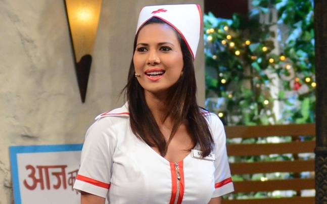 "Rochelle Rao as 'Lottery' in ""The Kapil Sharma Show"""