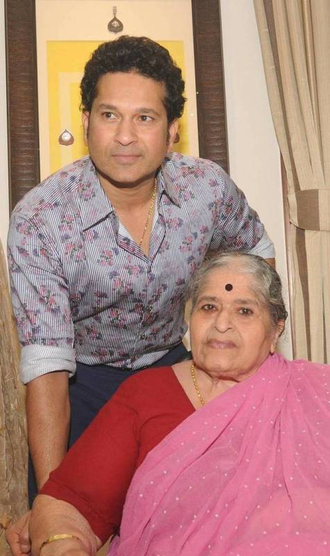Sachin Tendulkar with his mother