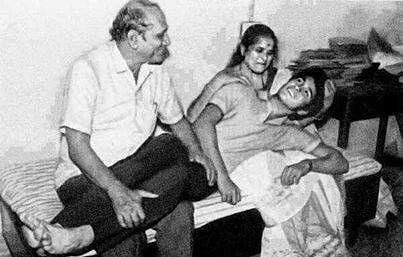 Sachin Tendulkar with his parents
