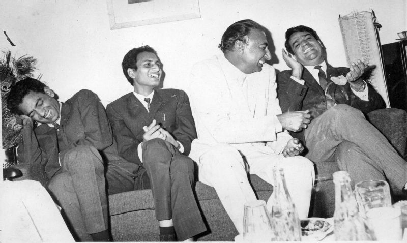 Sahir Ludhianvi With His Friends Shiv Kumar, Bhalla, And Samman Gupta