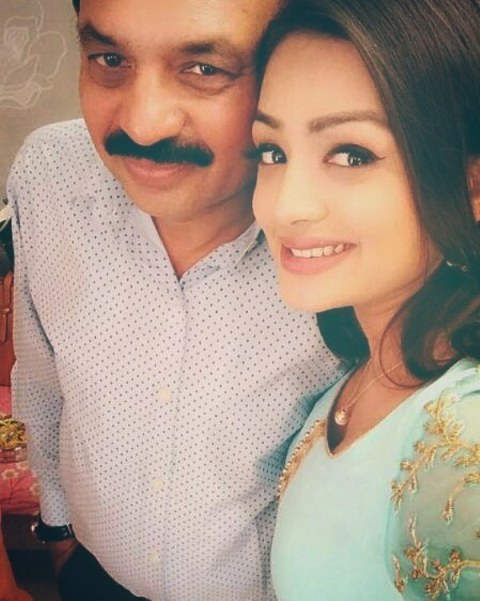 Samiksha Jaiswal with her father