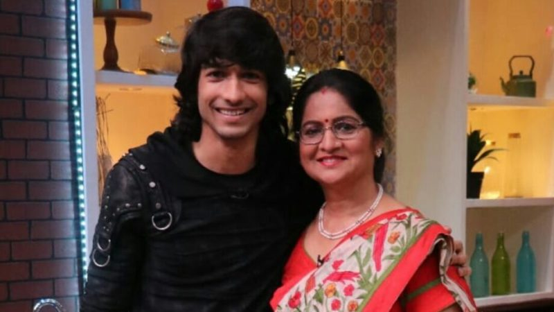 Shantanu Maheshwari with his mother