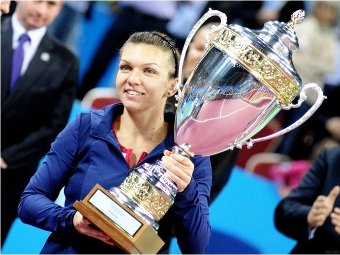 Simona Halep With Her 2013 WTA Tournament Of Champions Trophy