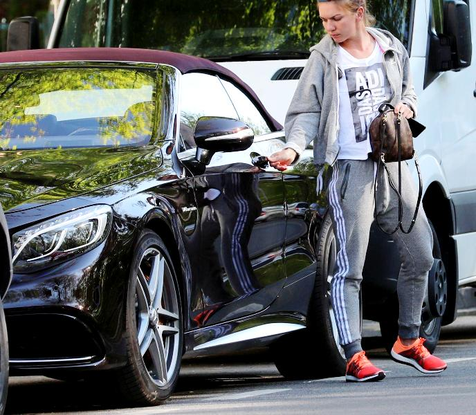 Simona Halep With Her Mercedes CLS