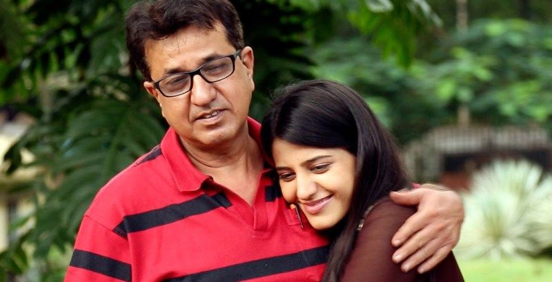 Simran Pareaenja With Her Father