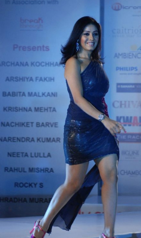 Sunidhi Chauhan On-Ramp