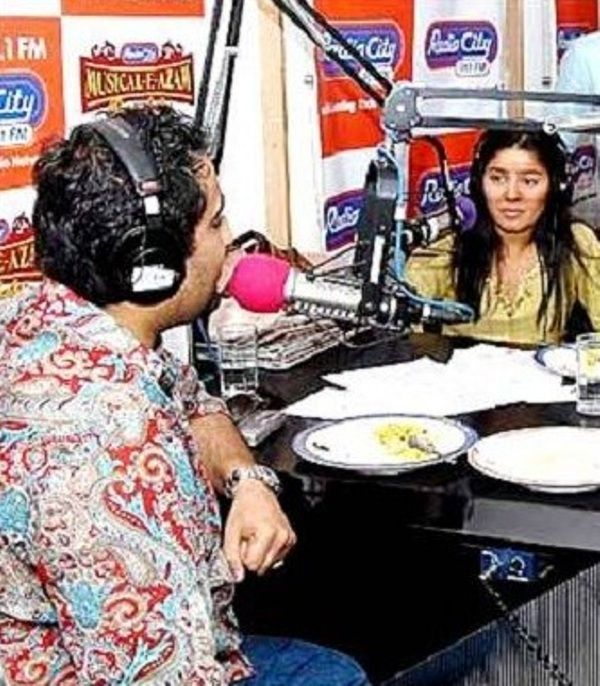 Sunidhi Chauhan as a host at Radiocity