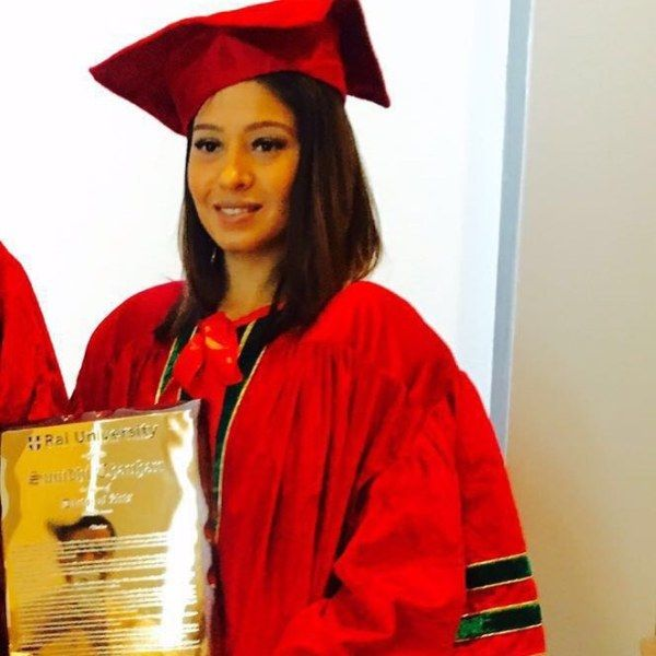 Sunidhi Chauhan receiving her Honorary Doctorate from Rai University