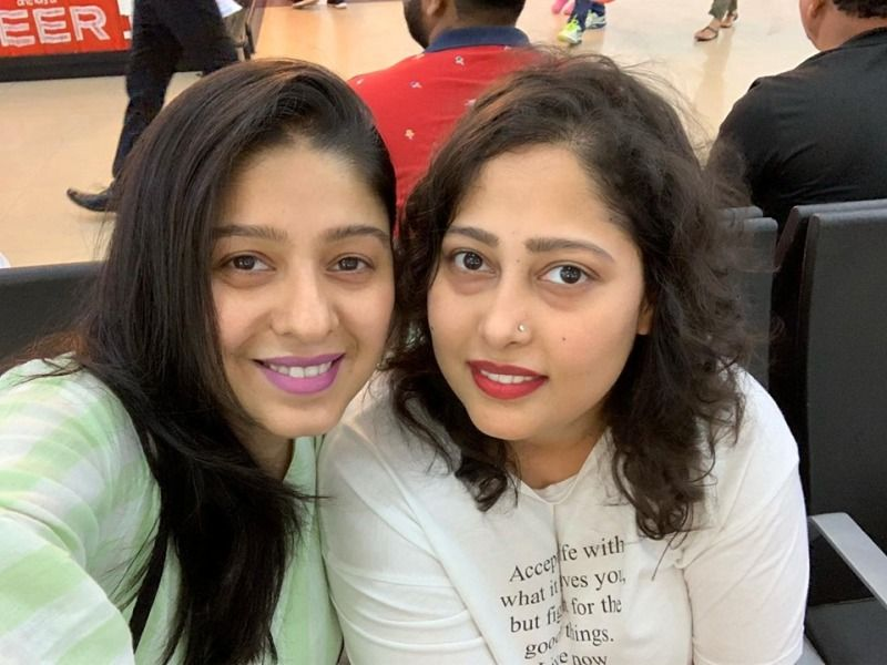 Sunidhi Chauhan with her Sister