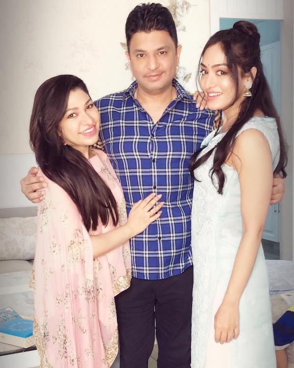 Tulsi Kumar With Her Siblings