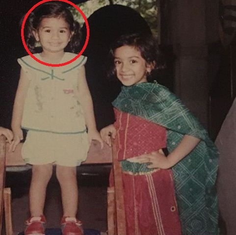 Vardhan Puri (encircled) with his sister Sachi Puri