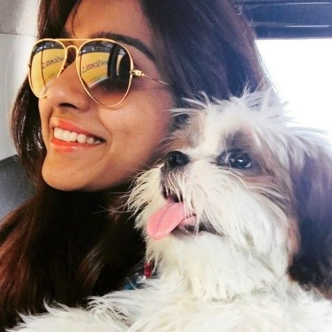 Vithika Sheru with her pet