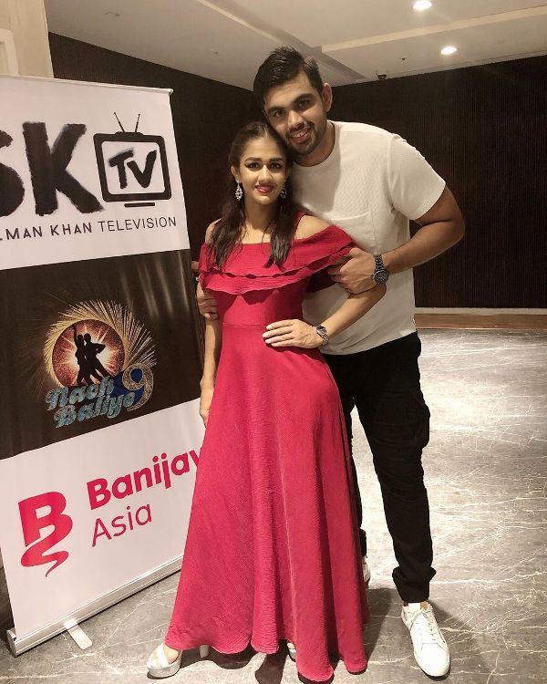 Vivek Suhag with his girlfriend