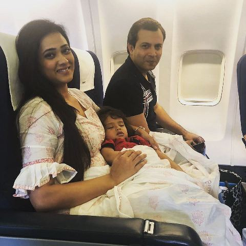Abhinav Kohli with his wife and son