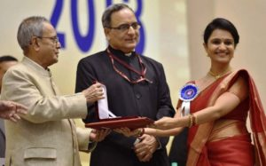 Amruta Subhash Receiving National Award
