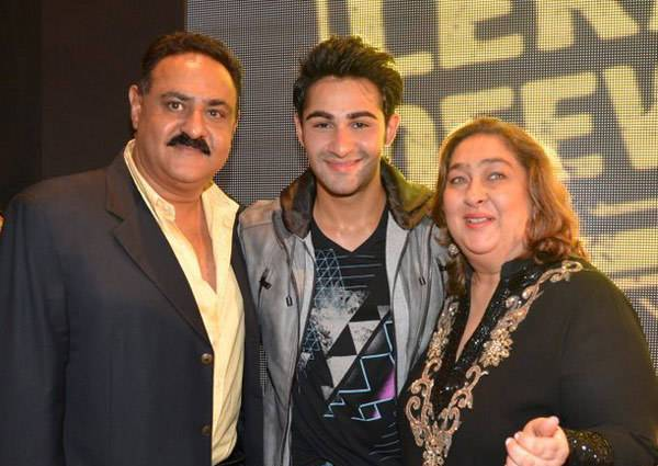 Armaan Jain With His Parents
