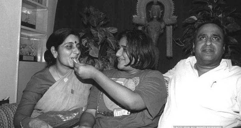 Bansuri Swaraj With Her Parents
