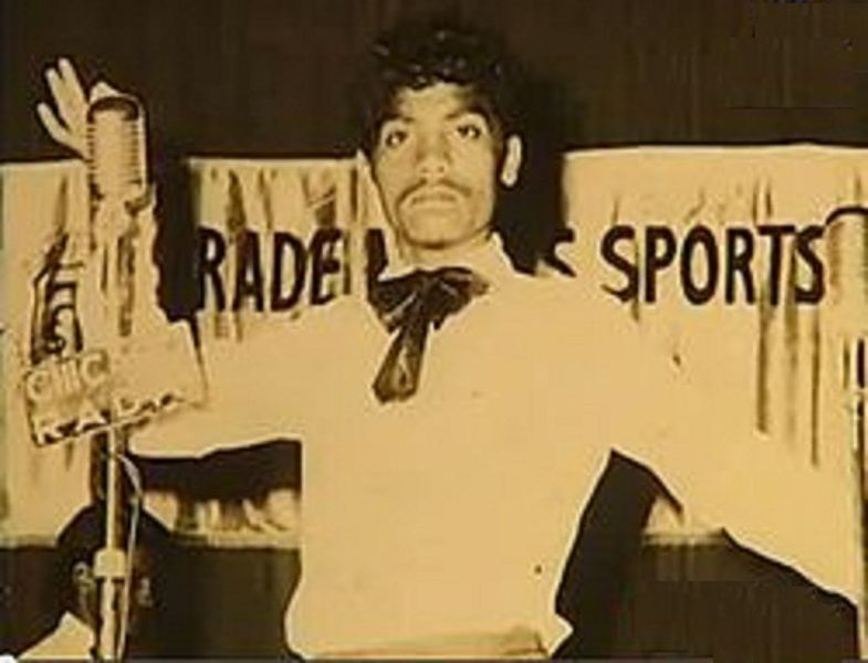 Johnny Lever Performing at a show
