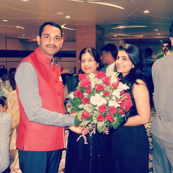 Nikita R Sharma (Star Nick) with her parents