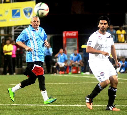 Rakesh Maria playing football