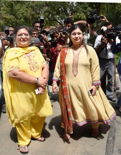 Sangeeta Jaitley with her daughter