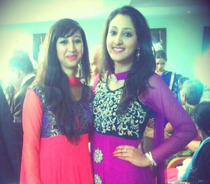 Shivya Pathania with her Sister