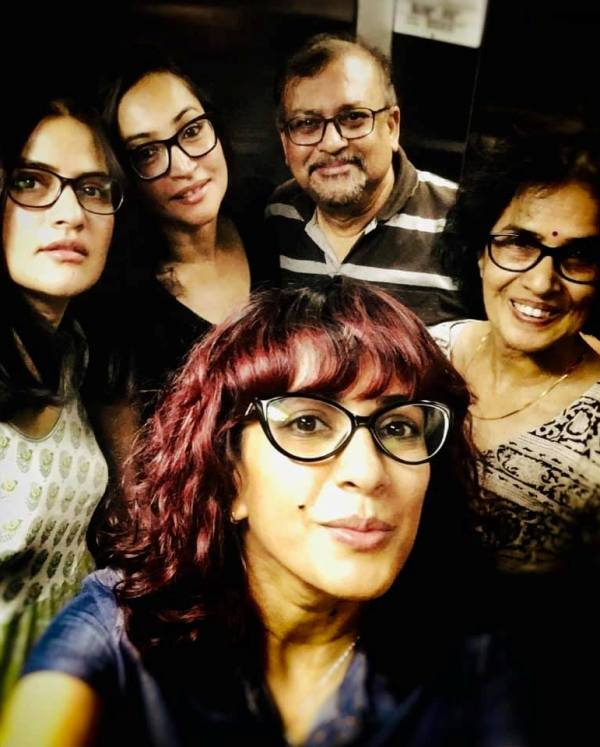 Sona Mohapatra With Her Family
