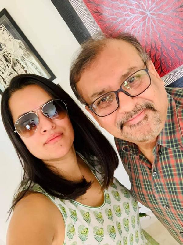 Sona Mohapatra With Her Father