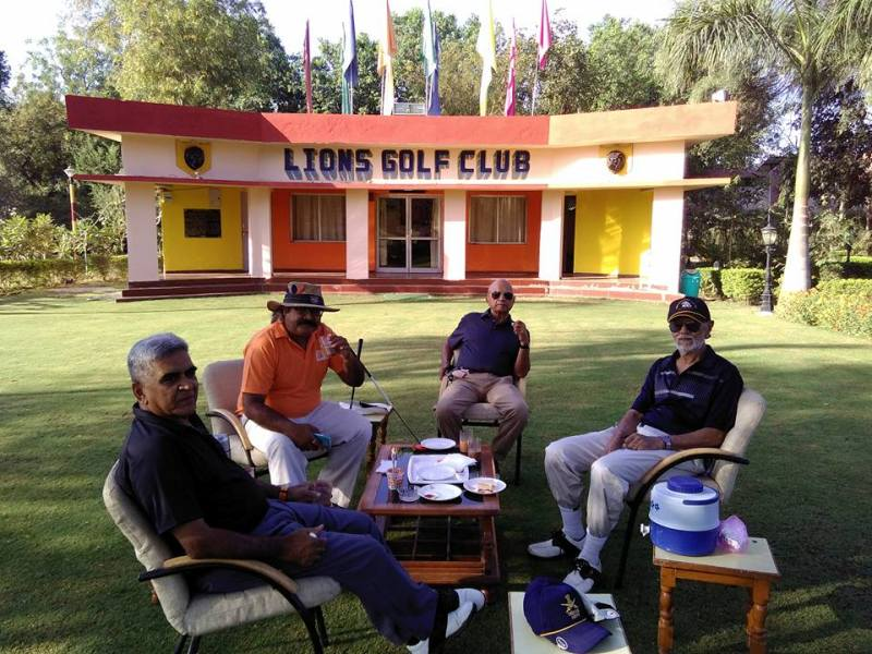 Vijay Karnik with his Golf Members