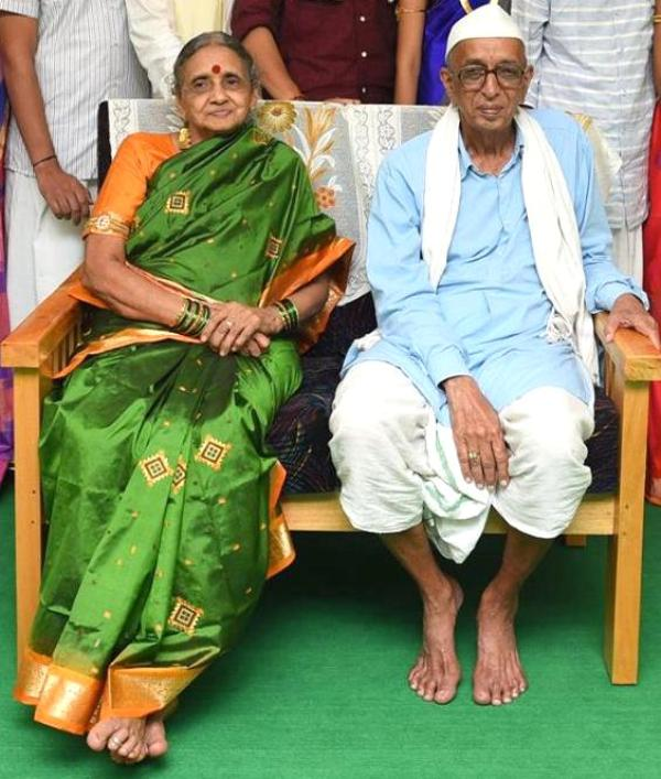 Vishveshwar Hegade Kageri Parents