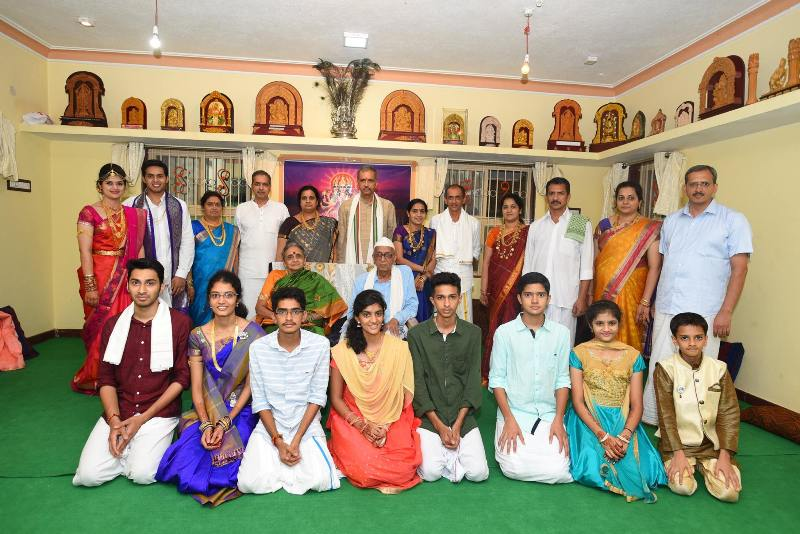 Vishveshwar Hegade Kageri With His Family