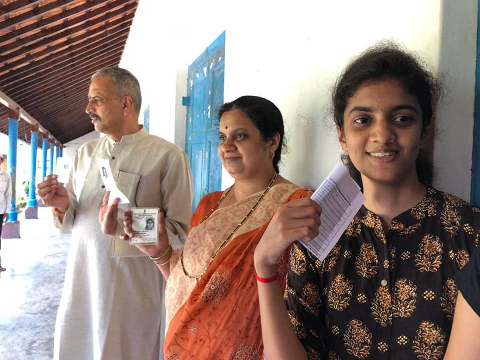 Vishveshwar Hegade Kageri with His Wife and Daughter