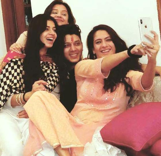 Adhish Khanna with His Sisters