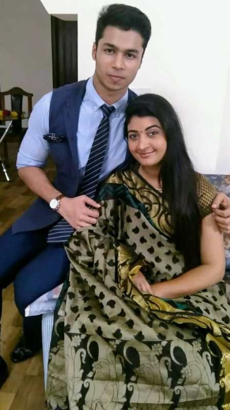 Alka Lamba with her Son