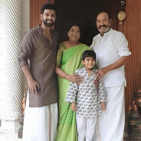 Arun Vijay with His Father, Mother and Son