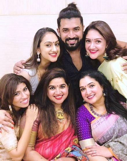Arun Vijay with His Sisters and Wife