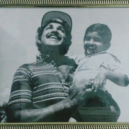 Arun Vijay's Childhood Picture with His Father
