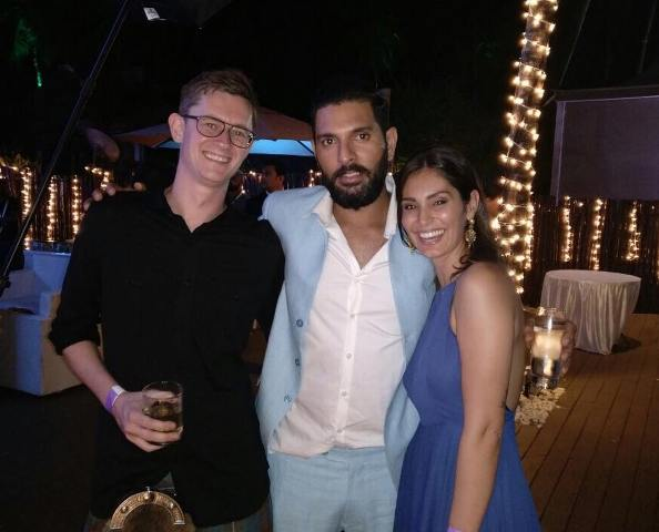 Bruna Abdullah with Yuvraj Singh